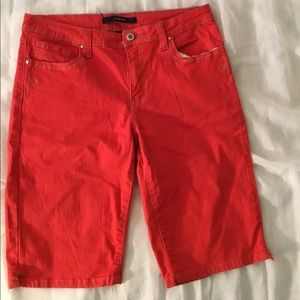 Bill Blass Capri red Stretch pants - size 8